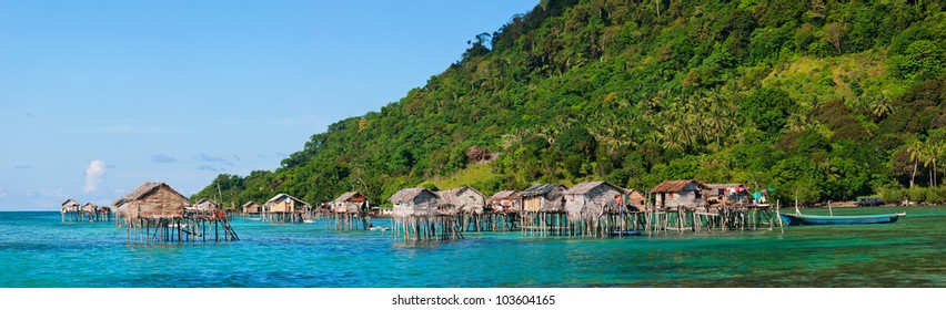 Traditional sea gypsy village near Bohey Dulang island in Malaysia