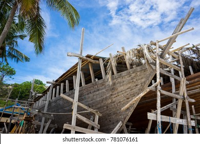 traditional ship phinisi making from tanjung bira, south sulawesi, indonesia
