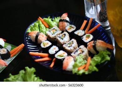 Traditional sushi susi (japanese food)