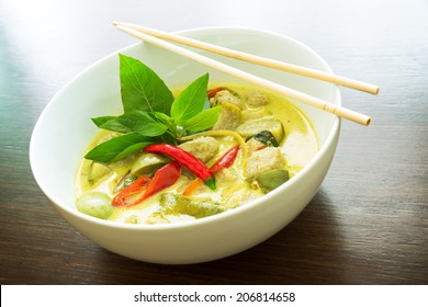 traditional thai green curry