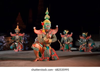Traditional Thai martial arts show.
