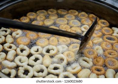traditional turkish dessert lokma