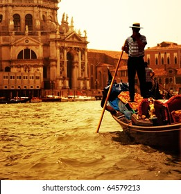 Traditional Venice gandola ride