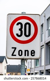 traffic calming a geschwindikeitsbegrenzung was introduced. 30 kph zone in city traffic