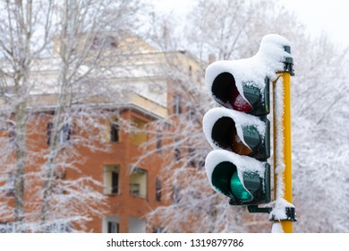 Traffic Light Green on - snow