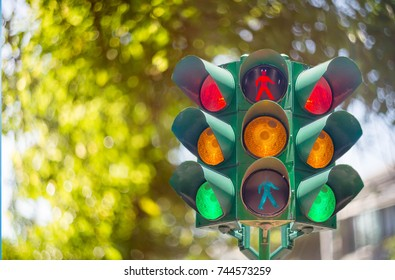 Traffic light On the background bokeh cipping path
