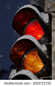 Traffic light in the snow, Luebeck, Germany