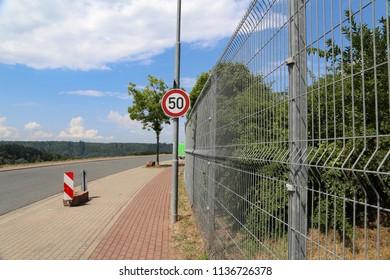 Traffic sign: Speed limit