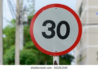 Traffic Signs Do not speed up to 30 km / hr, Thailand measurement system