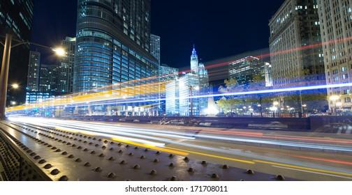 Traffic through Chicago at night