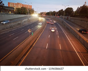 Trafic cars highway