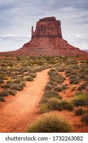 Trail to Mittens Rock Formation, Monument Valley