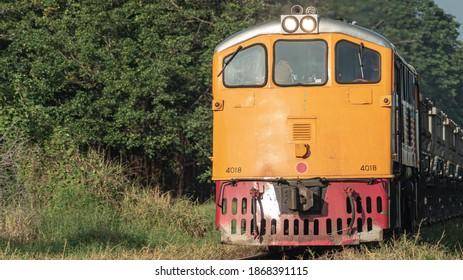 Train carrying coal in Thailand (Wallapaper).
