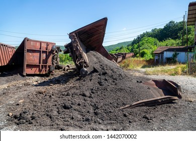 Train crash accident. Cargo damaged in freight train derailment. Mechanical problems and track conditions are to blame for a train derailment. Abstract: Transportation Safety