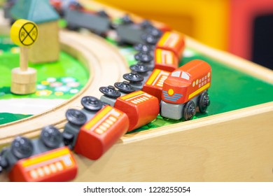 Train derailment, Wooden Toy model Play set Educational toys for preschool indoor playground
