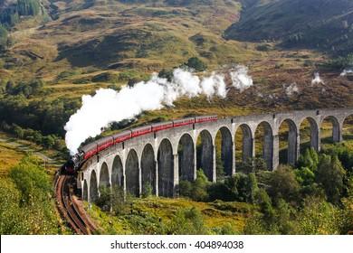 Train in Glen Viaduct