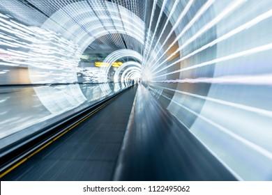 Bewegungsunschärfe im Shanghai-Tunnel in China