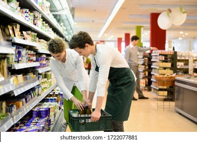 Trainees in an organic grocery store