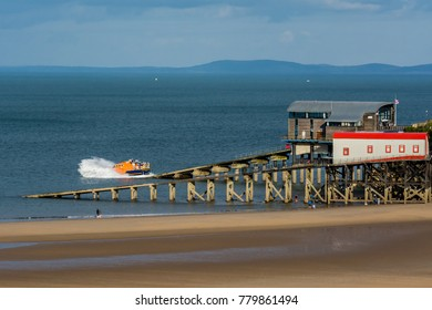 Training Launch of the Tenby Lifeboat, Pembrokeshire, Wales, August 2016.