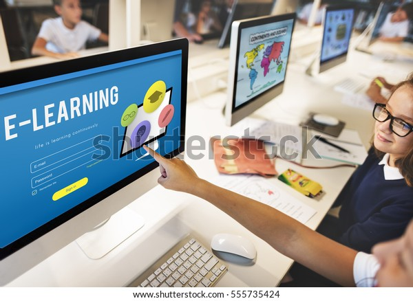 Concepto de aprendizaje electrónico de los conocimientos del estudio de formación