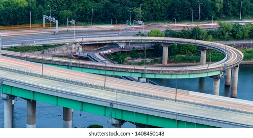 the trajectory of the vehicle before sunset around the bridge over the Han River, seoul, korea