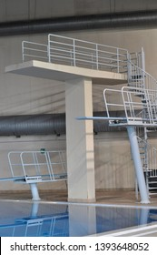 trampoline gymnastic apparatus in a swimming pool