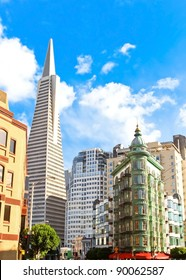 Transamerica pyramid bank building in San Francisco