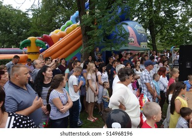 "TRANSCARPATHIA, UKRAINE - AUGUST 7, 2016: In the annual culinary festival ""Bychkivski cabbage rolls"" , august 7, 2016 in Great Bychkov, Rakhiv district, Transcarpathian region."