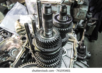 Transmission cutaway, steel gear, metal gear wheel