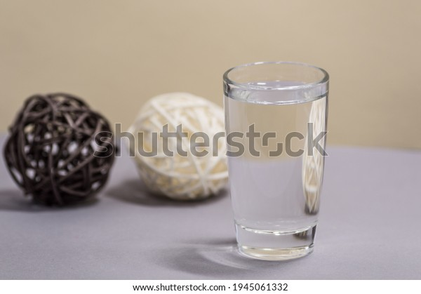 transparent-glass-water-on-blurred-600w-