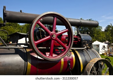 Transport Ready is the chimney on the machine . Advanced the transmission wheel of Lokomobils