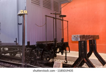 Transportation - Closeup wooden wagon - Vintage
