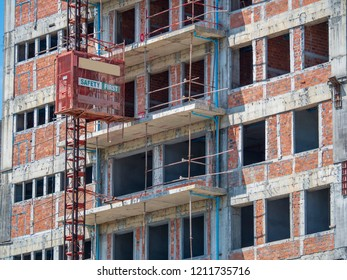 Transportation elevator of workers in the construction site