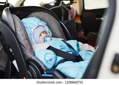 transportation of newborn in car in winter time