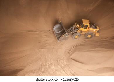 Transportation of wooden granules (renewable material) in stock
