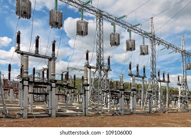 Trap-lining (high-frequency stopper) on the high-voltage transmission line