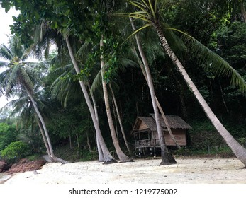 Trat, Thailand : Koh wai island is one of the hidden gems of Trat, a small paradise far away from massive tourism.