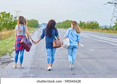 Traveling girls