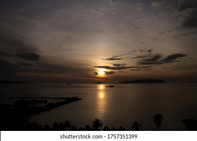 Traveling through Venezuela, imposing sunsets in the fishing ports of Anzoátegui