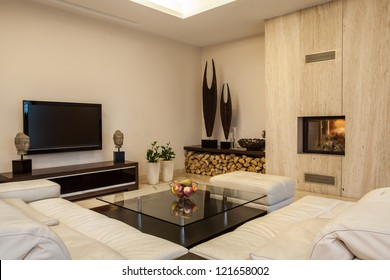 Travertine house: Creative solutions for your home interior