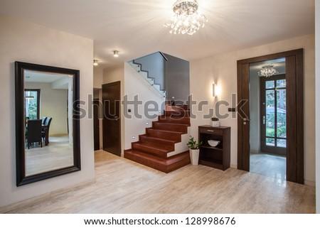 Travertine house entrance hallway modern interior stockfoto jetzt