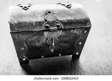 treasure chest wallpaper