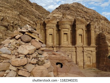 Treasury bilding in ancient Petra, Jordan, unique architecture and amazing shape, colors of rocks