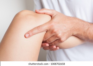 Treating knee pain with a massage