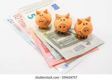 Tree Little Pigs on Banknotese