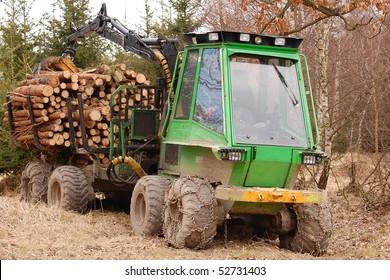 Tree log hydraulic manipulator - tractor