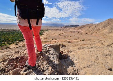 Treking in the mountains in the vicinity of the Garmeh oasis, on the Dasht-e Kavir deserts near the Khur city.