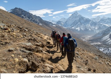 Trekking group on the way to the Everest Base Camp, Himalaya, Nepal