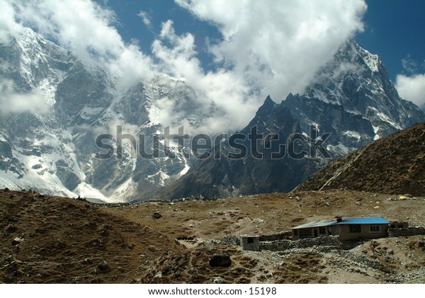 Trekking in the High Himalayas 1