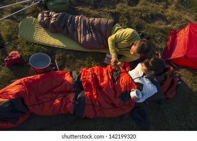 Wandern und Übernachtung mit Schlafsack
